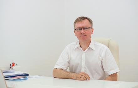 dr n. med. Maciej Wiewiórowski