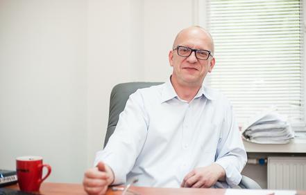 lek. med. Paweł Staneta